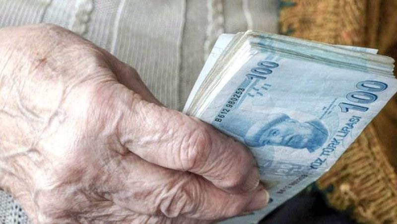 Emekliler bayram ikramiyelerini 7-11 Nisan tarihlerinde alacak